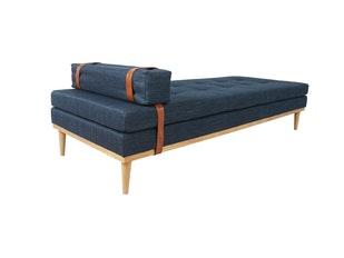 relaxliege aus stoff mit eichengestell blau daybed salesfever. Black Bedroom Furniture Sets. Home Design Ideas