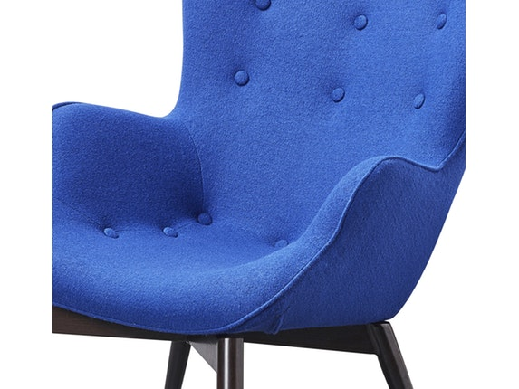 skandinavischer sessel mit armlehne aus webstoff blau. Black Bedroom Furniture Sets. Home Design Ideas