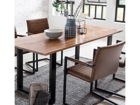 essgruppe mit baumkante tisch 160x85 cm cognac schwarz akazie massiv und st hle alessia hellbraun. Black Bedroom Furniture Sets. Home Design Ideas