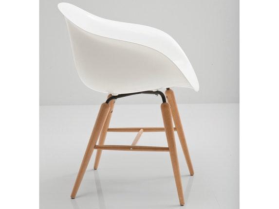 Designer stuhl holzbeine finest full size of mit bistrostuhl grau metallbeine schwarz aluminium - Weisse designer stuhle ...