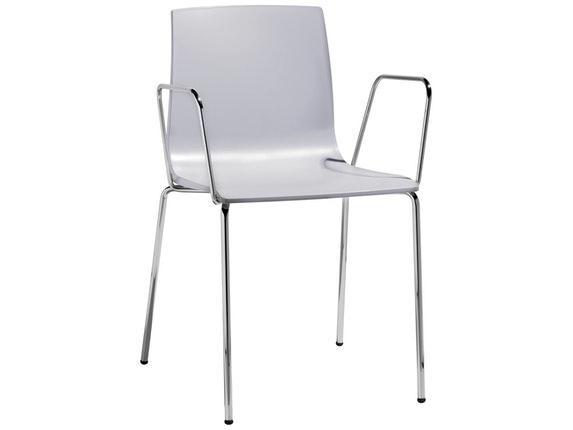Designer stuhl alice mit armlehne hellgrau scab design for Stuhl mit armlehne design