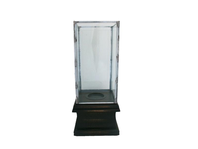 nic duysens windlicht auf einem sockel stehend m bel. Black Bedroom Furniture Sets. Home Design Ideas