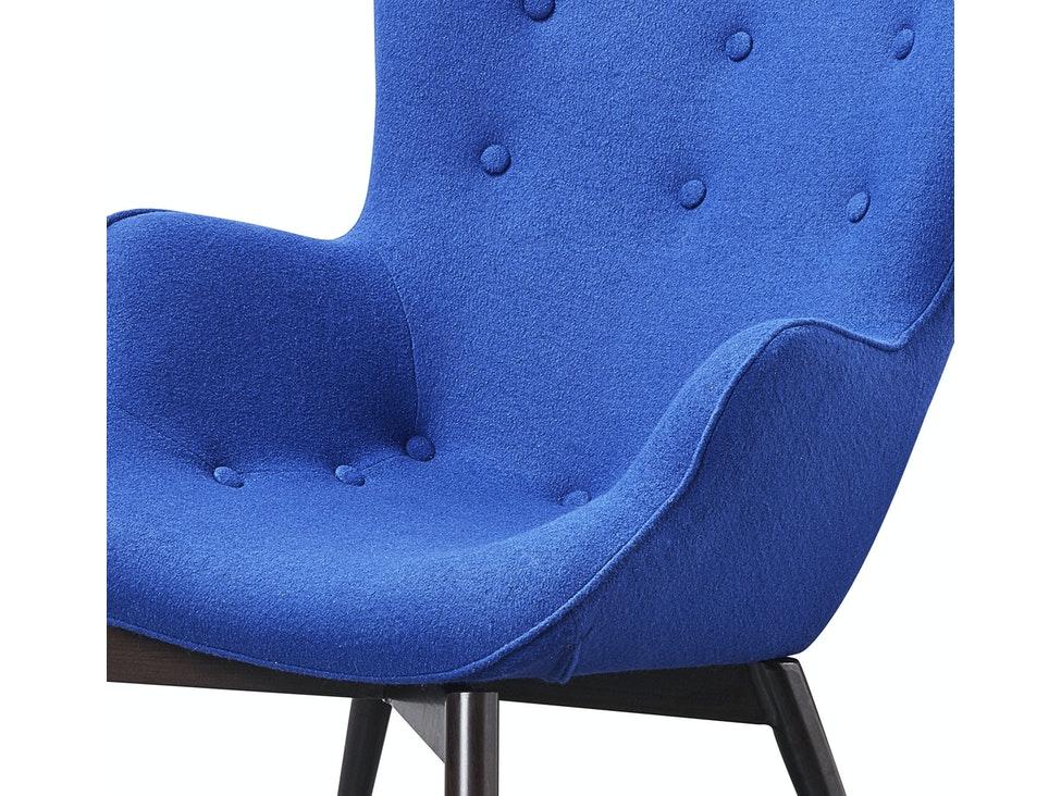 Skandinavischer Sessel mit Armlehne aus Webstoff blau