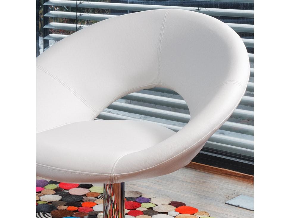 33 synoun chaiselongue schwarz mit verchromten gestell. Black Bedroom Furniture Sets. Home Design Ideas