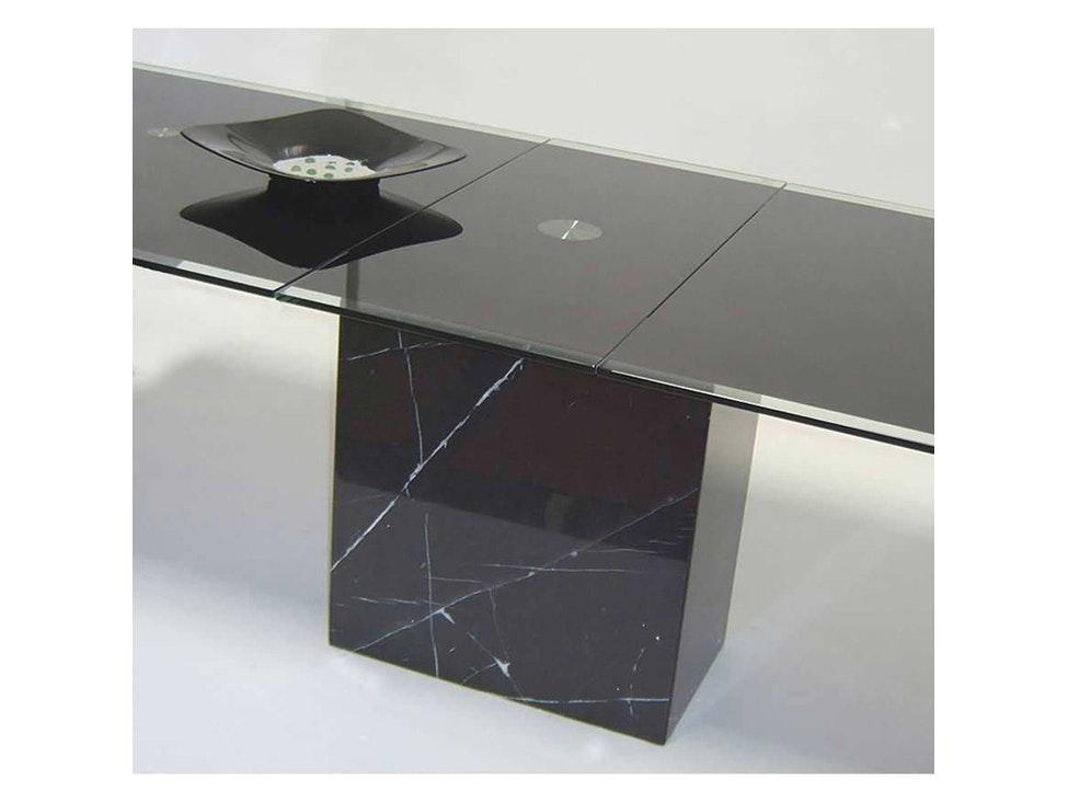 schwarz glas amazing vase schwarz glas cm hoch with schwarz glas latest vitrine glasvitrine. Black Bedroom Furniture Sets. Home Design Ideas